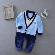 Весенний костюм для мальчиков Корейская хлопковая рубашка с v-образным вырезом+ джинсы, 2 комплекта