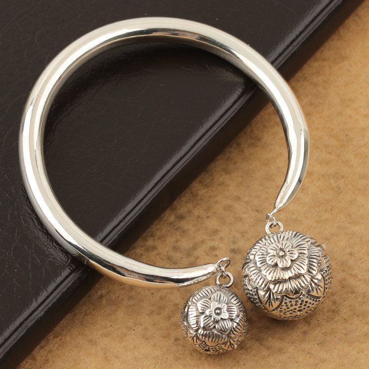 S925 sterling silver  handmade  silver body  opening flower ball braceletS925 sterling silver  handmade  silver body  opening flower ball bracelet