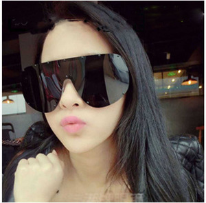 2019 Brand Designer Polarized Big Frame Sunglasses for Women Oversize Shades Eyewear Metal Rivets Decorative Ladies Sun Glasses