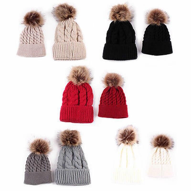 2 Pcs Femmes Mère Bébé Enfant Hiver Chaud Tricot Bonnet De Fourrure Pom  Chapeau Crochet Ski Cap ee17852cd4b