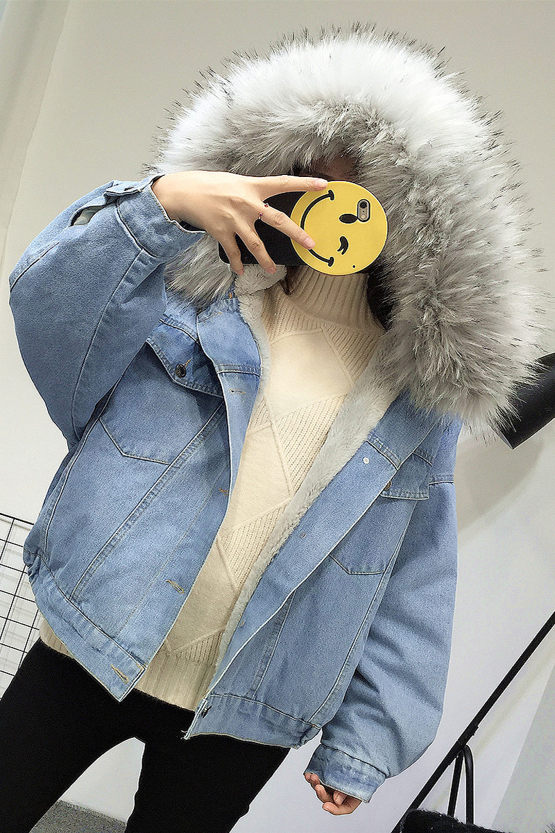 HTB1DESVXO6guuRkSnb4q6zu4XXam Elexs velvet thick denim jacket female winter big fur collar Korean locomotive lamb coat female student short coat 72510