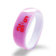 2018 Браслет LED цифровые часы Для женщин наручные Часы женская одежда наручные часы цифровые часы женские часы Любители подарок