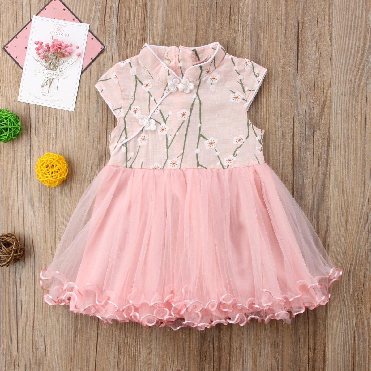 Lucu Putri Anak Gaun Pesta Bayi perempuan Gaya Cina Bunga Ulang Tahun  Pernikahan Pakaian Pengiring Pengantin Tanpa Lengan Musim Panas Tutu Gaun  di Dresses ... 9ff973d8fa