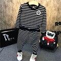 Venda quente Crianças Tracksuits listrado branco e preto Outono Esportes Dos Meninos ternos 2 Peças Camiseta + harem pants Crianças Conjuntos de Roupas