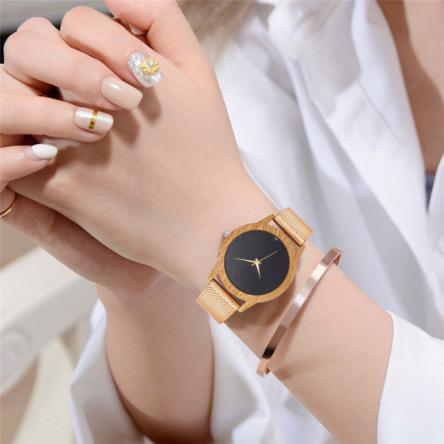 Creative Watches Women Plastic Band Bamboo Case Lady Wrist Watch Wooden Light Black Dial Modern New Style Analog Clock 5
