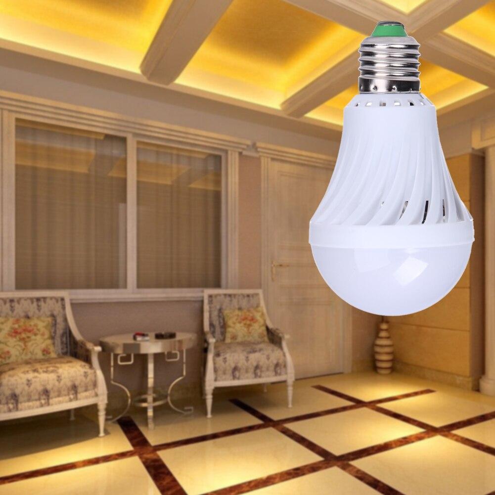 Ahorro de energía 7 w e27 85-220 v bombilla led de sonido sensor de luz automático bombilla inteligente de alta sensibilidad alta calidad al por mayor
