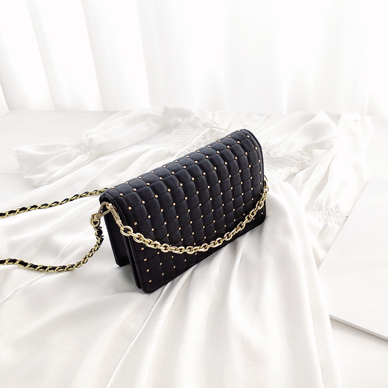 Lydian Lingge Chain Bag Leather Summer Handbags 2018 New Black Bag Full Rivets Korean Hand Bags Small Party Clutch Sacoche Homme