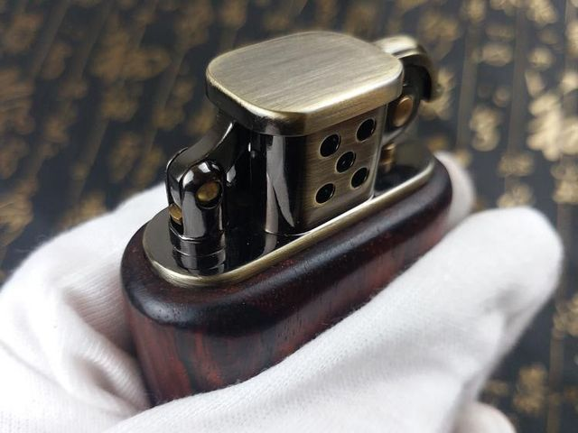 Gasoline Rosewood Vintage Fire Lighter4