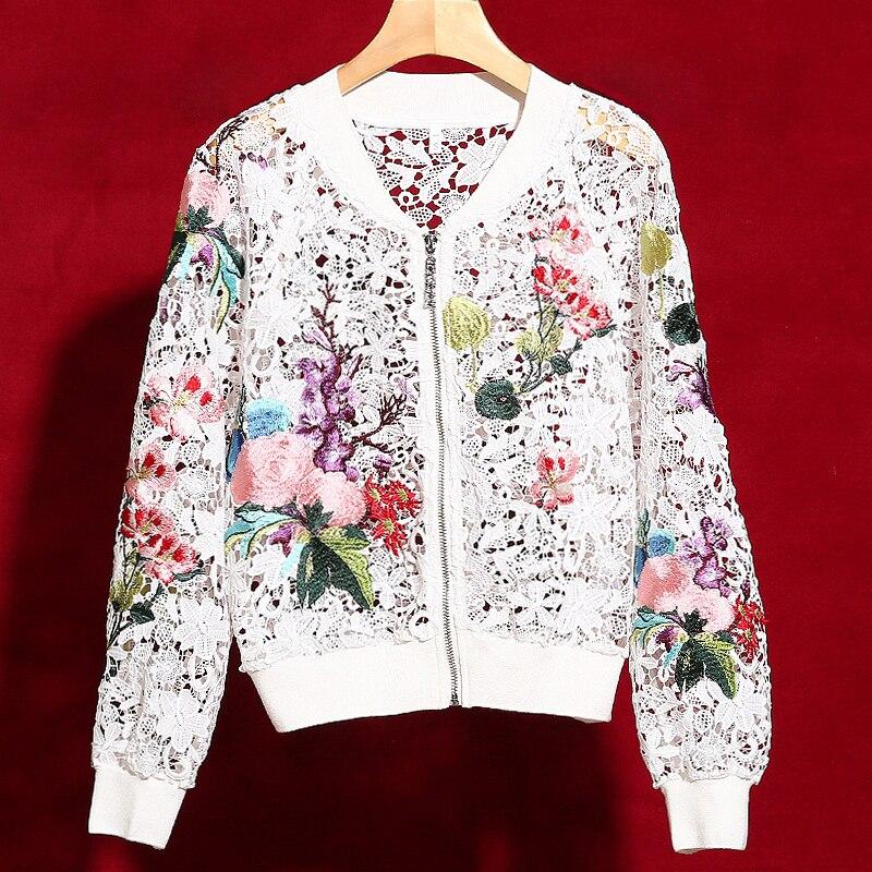 Kadın Giyim'ten Basic Ceketler'de Kırmızı RoosaRosee 2019 Sıcak Satış Moda Pist Tasarımcısı Dış Giyim Kadın Zarif Çiçek Nakış Hollow Out Lüks Ceket Kısa Ceket'da  Grup 1