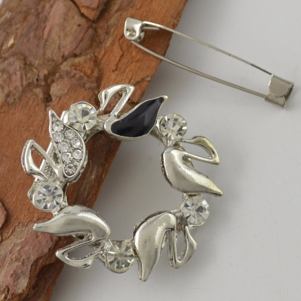 Fashion Gold Silver Crystal Rhinestone Pave Scarf Buckle Brooch Vintage Goose Brooch Pin Charm Jewelry Accessory Women Wedding