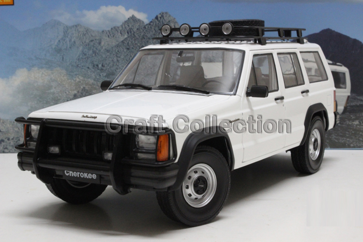 * White 1/18 Car Model for Jeep Cherokee 2500 Off Road Vehicle SUV Alloy Toy Car 1 18 otto renault espace ph 1 2000 1 car model reynolds