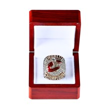 Versión oficial 2016 Nacional de Los Cavaliers de Cleveland Baloncesto Sólido Anillo Campeonato Tamaño 8-14 con la Caja no es 3D Marca en el interior