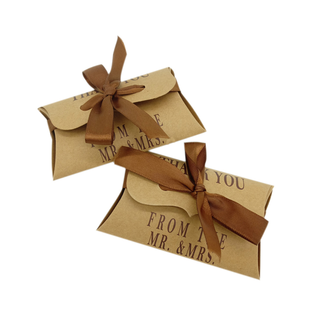 10 Pcs/lot Romantic Pillow Shape Kraft Paper Candy Gift small bag Box  With ribbonfor Packaging  Bags Wedding Party Favors