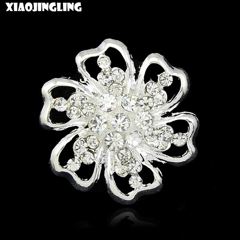 XIAOJINGLING Crystal Cute Flower Design Brooch Pins Fashion Wedding Party Gift Jewelry Scarf Sweater Accessories For Women 2017