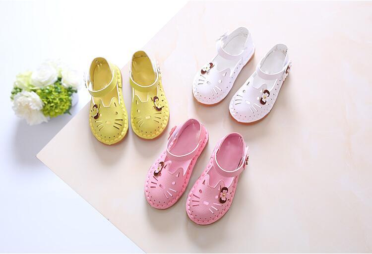 novas Crianças Moda Verão Sandálias Bonitos Dos Desenhos Animados Sapatos  Ocos fora Meninas Princesa Arco Primavera Floral Breayhable Tênis 069c29e6580