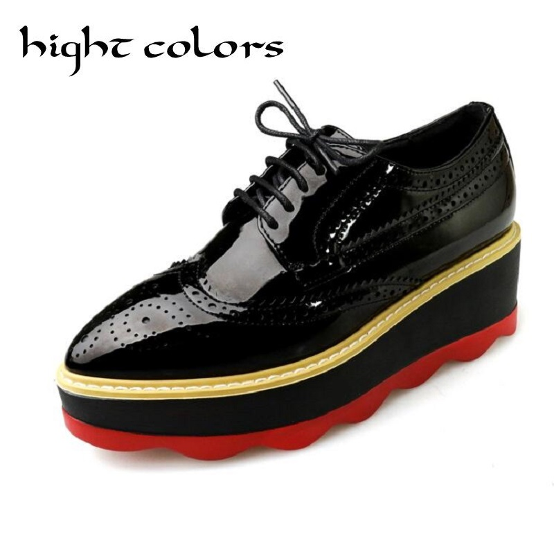 Women Oxfords Patent Leather Brogue Shoes Carved Platform Shoes Woman Vintage Pointed Toe Wedges Creepers Fashion Lace-Up Pumps qmn women genuine leather platform flats women brushed leather height increasing brogue shoes woman square toe creepers 34 42