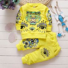 New Spring 2016 Children Suits Baby Male Baby's Tiger Head Around The Neck Sweater + Pants Can Open Crotch Pants Hot Sales