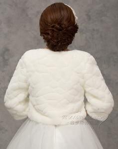 Image 2 - 2020 inverno noiva envoltórios de pele do casamento, jaqueta bolero de noiva baratos, tampas xale, tamanho grande, jaquetas de casamento, bolero de pele falsa