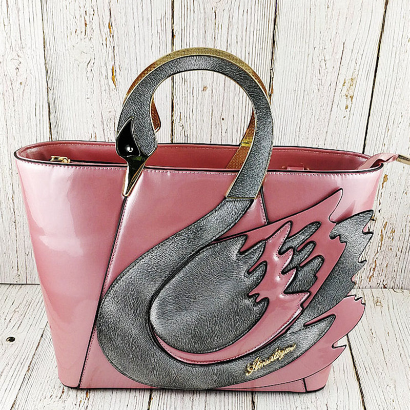 2018 spring and summer new ladies bag portable Messenger bag personality Swan shape mosaic stitching hit large-capacity bag2018 spring and summer new ladies bag portable Messenger bag personality Swan shape mosaic stitching hit large-capacity bag