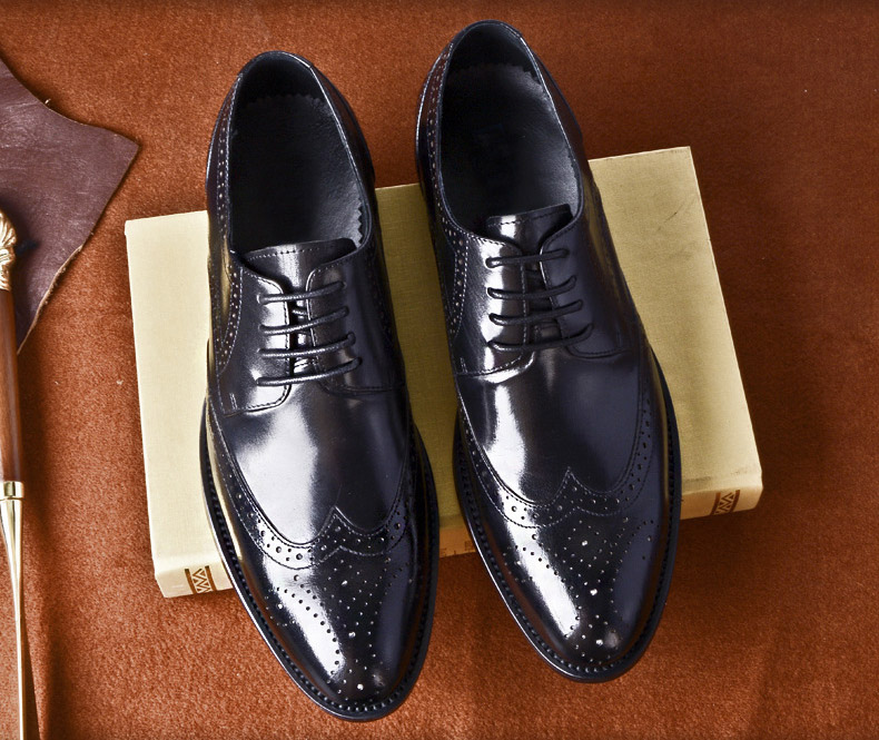 high quality vintage Oxford Dress Shoes For Men Genuine Cow Leather formal shoes Handmade Wedding Office italian shoes in Formal Shoes from Shoes