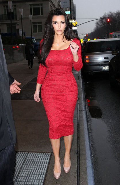 2017 Kim Kardashian Celebrity Dresses Sheath Strapless Long Sleeves Lace  Ankle Length Slit Short Red Carpet 8ccccd629128