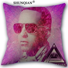 Moda de alta calidad de algodón de lino Daddy Yankee Almohadas boda  decorativo Fundas de almohada 4842694e6de