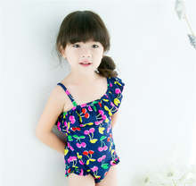 baby girl swimwear one piece style with classical flowers pattern including a hat fit 2-7Y little girls swimsuit sw57 girls baby girl palm print swimsuit with hat
