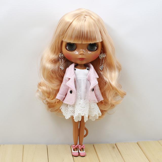 Фабрика Neo Blythe Doll Волнистые золотистые волосы Темная кожа Регулярное тело 28cm