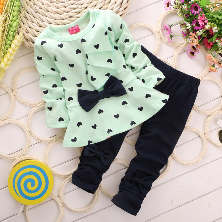 2015 New spring Baby Girl Clothing sets Heart-shaped Print Bow Cute kids Set girl Clothes Children Suit T shirt + Pants