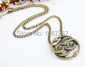2014 New vintage jewelry Never Ending Story punk style vivid two snakes pendant necklace Factory direct