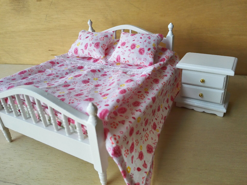 1:12 Handcraft MINI Dollhouse Miniature Bed Accessories ( Don't Include The Bed)