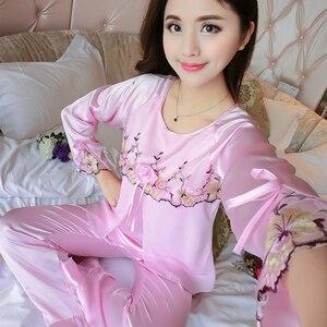 Image 2 - 새 실크 잠옷 여성 자수 레이스 홈 의류 코사지 잠옷 여성용 긴 소매 잠옷 홈 슈트 pijama mujer