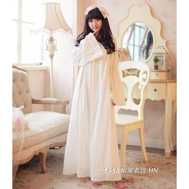 Free Shipping 100% Cotton Princess Nightdress Royal Pijamas Women's Long Nightgowns White Embroidery Nightshirt negligee SA16052