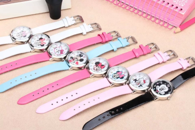 2016 new Minnie mickey cartoon watch women watches kids quartz wristwatch child boy clock girl gift