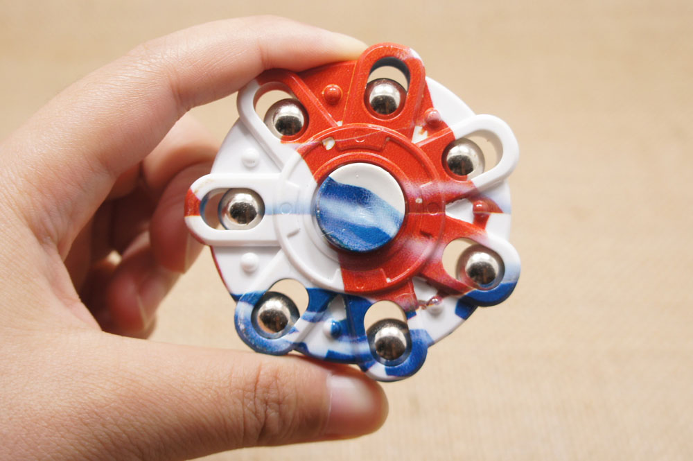 Cool Fidget Spinnners Rainbow and Top Finder Spinner Naamiointi - Antistress lelut - Valokuva 5