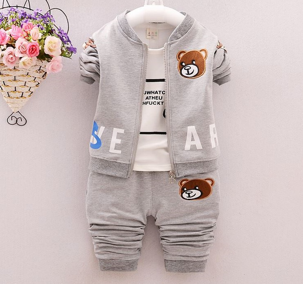 New 2017 hot sale cartoon bear cotton bebes 3pcs clothing set kids Baby boy Girls Clothes sets ,jacket baby romper Pant roupas clearance 2pcs set baby boy clothes cartoon pattern baby clothing sets summer black white top pant for newborns bebk giyim