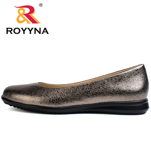 Image 4 - ROYYNA Hot Style Women Flats Round Toe Women Loafers Metal Color Material Female Shoes Light Soft PU Out Soles Ladies Shoes