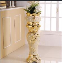 The European living room is decorated with Roman column flower-pot ceramic vase for large flower design
