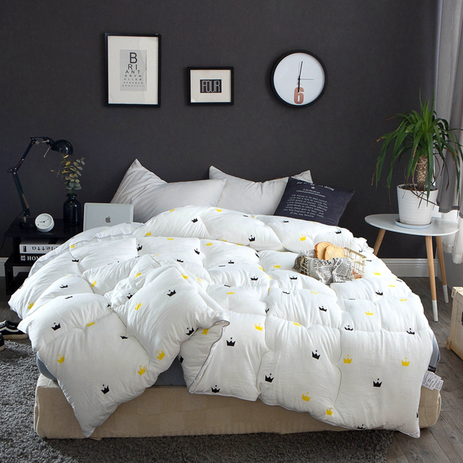 Pure White Adults Winter Comforter Yellow and Black Crown Patterns Cheap Washed Polyester Fabric Design for Bedroom Decor