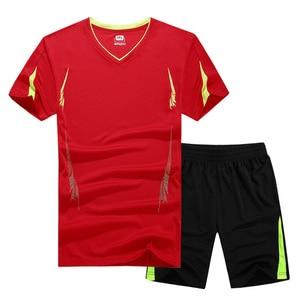 Image 4 - 夏 2019 男性用カジュアル二枚スーツ半袖 Tシャツ & 男性ストリートショーツセットトラックスーツマンショートスポーツウェアセット