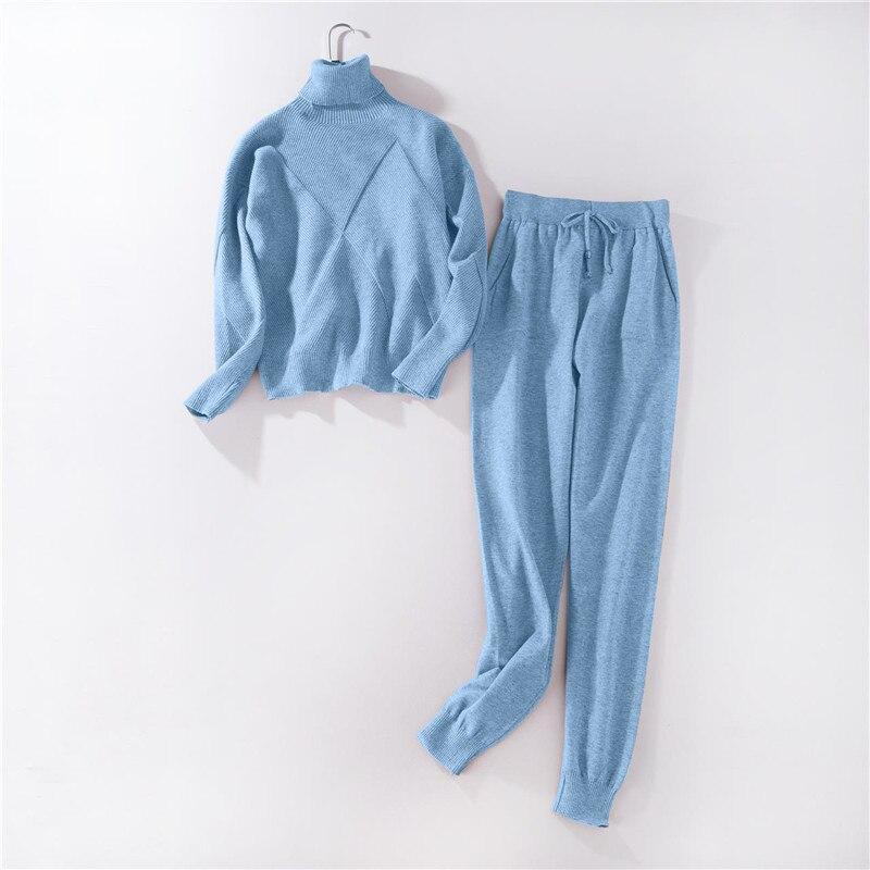 Outono inverno agasalho De Malha camisolas de Gola Alta de Mulheres Terno  de roupas Casuais 2 peça conjunto calça de Malha terno Esportivo Feminino  em ... a7af3047dd90a