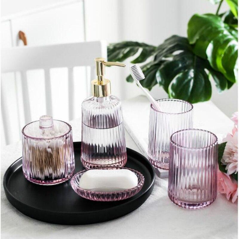 Ensemble d'accessoires de salle de bain rose 5 pièces ensemble de toilette tasse en verre cristal désinfectant pour les mains bouteille savon plat coton-tige boîte mx6031620