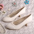 Wedopus Salto Baixo Marfim Rendas Sapatos de Noiva Bombas de Casamento Das Mulheres Tamanho Grande