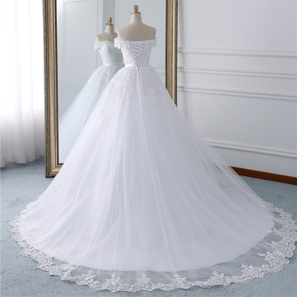 Image 3 - Fansmile 2019 Lace Gowns Wedding Dress Robe Princesse Mariage Plus Size Long Train Tulle Mariage Bridal Wedding Turkey FSM 433T-in Wedding Dresses from Weddings & Events