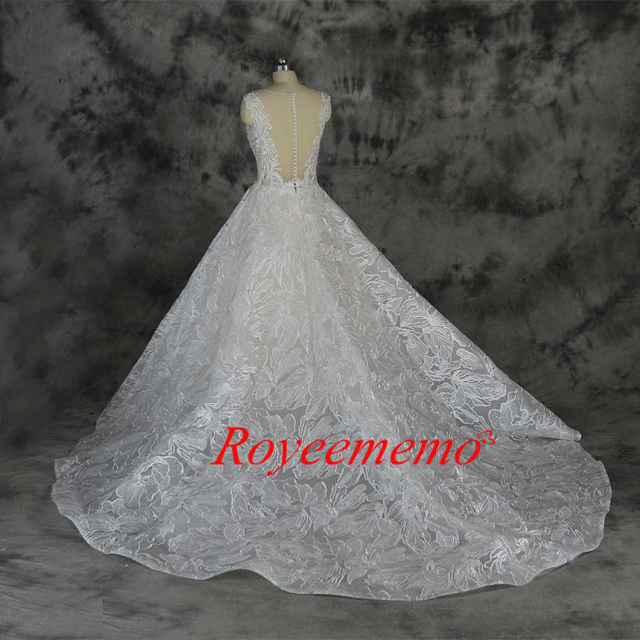 ... 2019 new design lace ball gown wedding dress luxury Champagne and Ivory wedding  gown custom made 0b4b62771b74