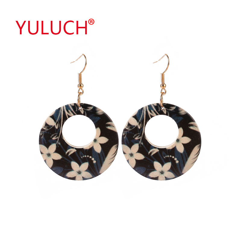 YULUCH 2018 Vintage Ethnic Design Wooden Hollow Earrings Round Painted Small Wildflower Pendant Fashion Woman Earrings Gift