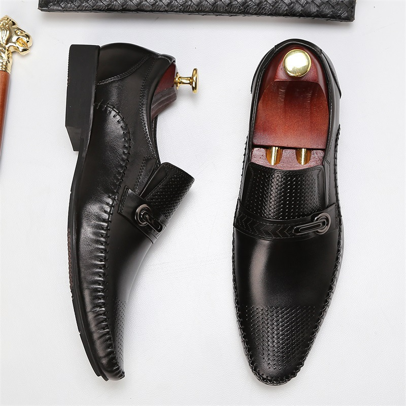 Brand Genuine Leather Loafers Pointed Casual Breathable Men Shoes Luxury Slip On Black Brown Dress Office Formal Shoes MocassinBrand Genuine Leather Loafers Pointed Casual Breathable Men Shoes Luxury Slip On Black Brown Dress Office Formal Shoes Mocassin