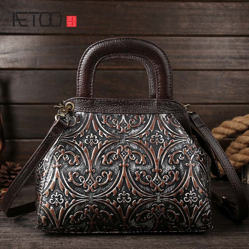 AETOO brand New retro leather handbag first layer of cowhide shoulder bag wipe embossed fashion handbags women messenger bag famous brand top leather handbag bag 2018 new big bag shoulder messenger bag the first layer of leather hand bag