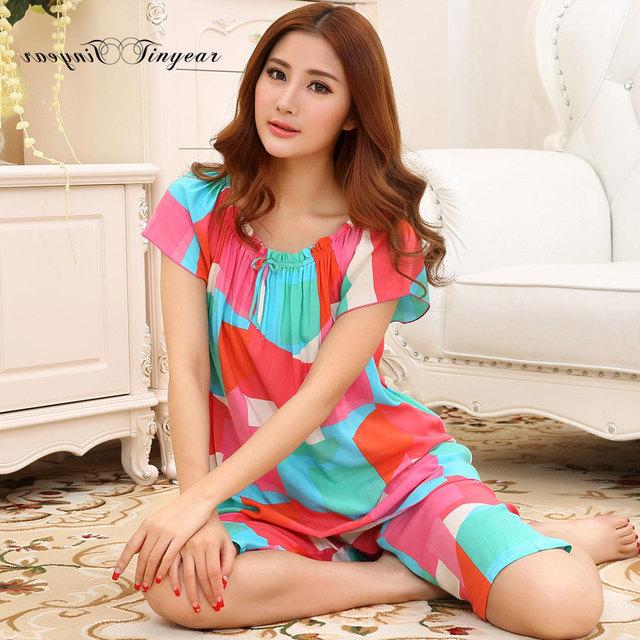 Em estoque mulheres pijamas de algodão respirável confortável material em torno do pescoço de manga curta de verão feminino conjunto desgaste do Sono & Lounge