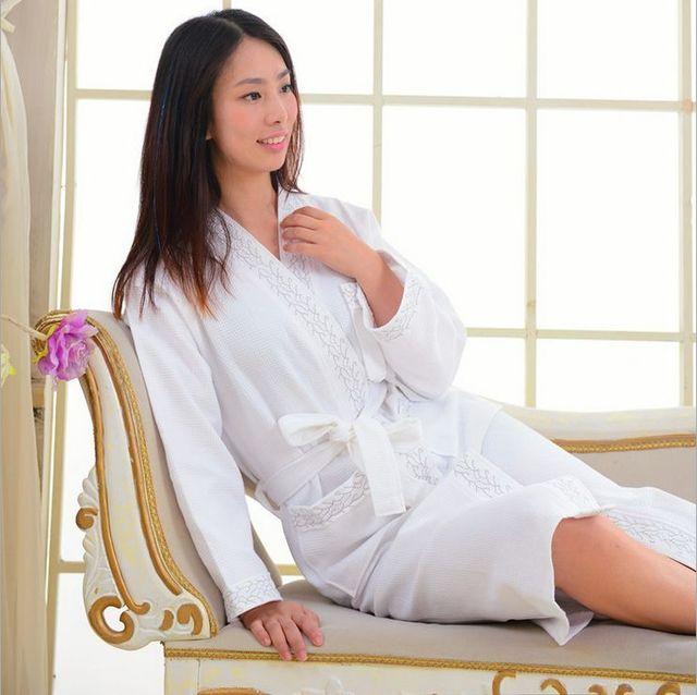 Vestes Para As Mulheres Cor Sólida Luva Cheia De Algodão Waffle Roupão de banho das Mulheres Sono Salão Robes Peignoir Femme Robe De Cetim